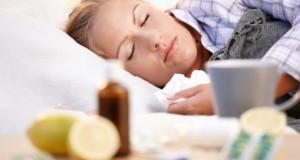 Viel Schlaf und Vitamin C kann eine Erkältung besiegen.