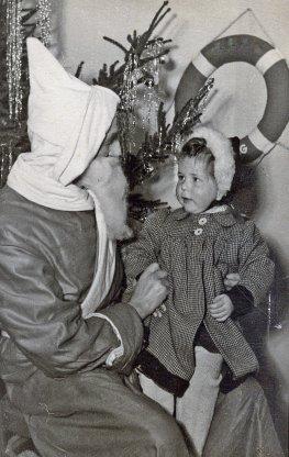 Rückblick - der Vater verkleidet als Nikolaus