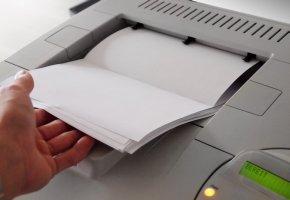 Farblaserdrucker drucken heimlich die Seriennummer auf das Papier