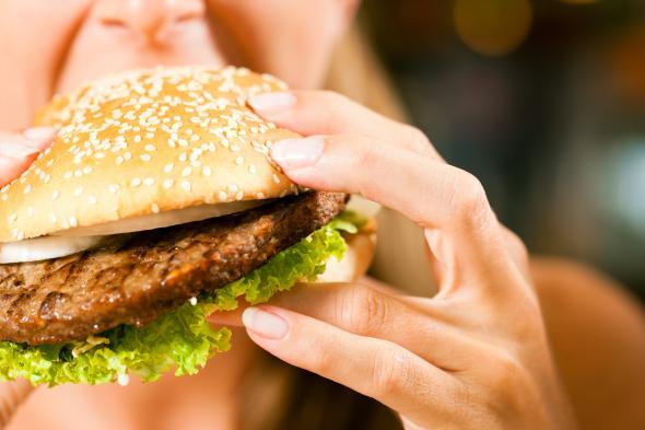 Cholesterinwert: Im Fast Food steckt viel Cholesterin drin.