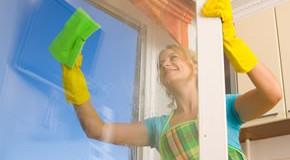 Fensterputzen mit der richtigen Reinigungstechnik