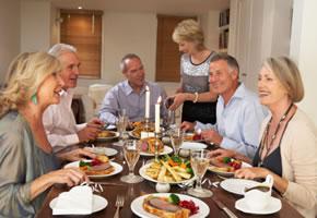 Fest: Ein Abendessen mit Freunden