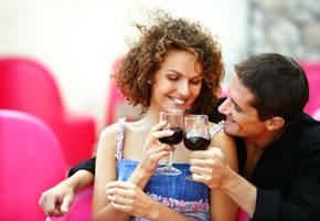 Flirten - Eine Einladung zu einem Glas Wein