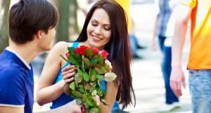 Ein Blumenstrauß verschafft beim Dating klare Flirtvorteile.
