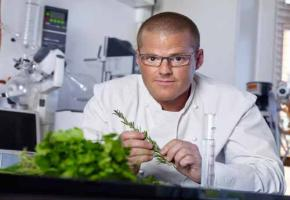 Food Illusionist Heston Blumenthal im Küchenlabor