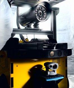 Fraunhofer IOSB - der Roboter erkundet per Kamera und Sensoren neues Terrain