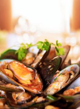 Frische Muscheln mit Weißwein