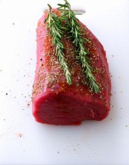 Roh - frisches Fleisch, ein Stück Rinderfilet