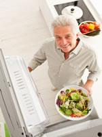 Frisches Salat gehört zur gesunden Ernährung