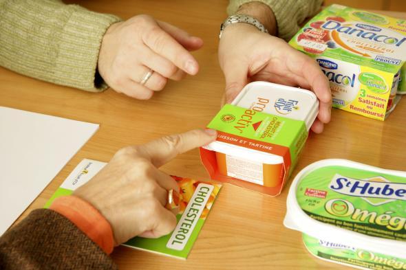 Unterschiedliche Functional-Food Produkte auf einem Tisch
