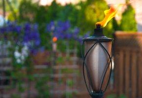 Gartenfackeln - erzeugen eine romantische Atmosphäre