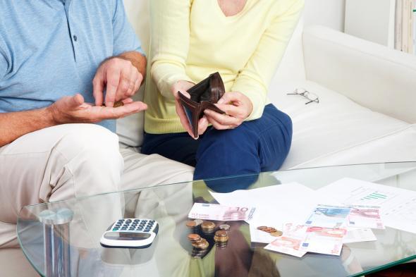 Wenn der Dispokredit von der Bank gekündigt wird, gehen die Geldsorgen weiter.