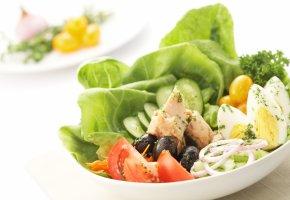 Gemischter Salat mit Eier und Thunfisch