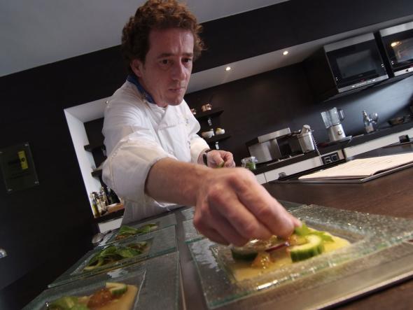 Chefkoch Gerhard Schwaiger in seiner Restaurantküche