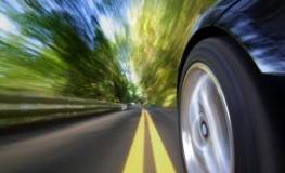 Geschwindigkeitsrausch - Autofahrer geben zu viel Gas