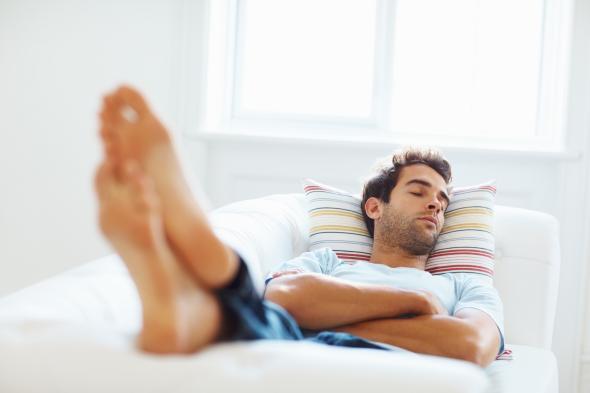 Schönheitsschlaf ist auch für Männer ganz wichtig.