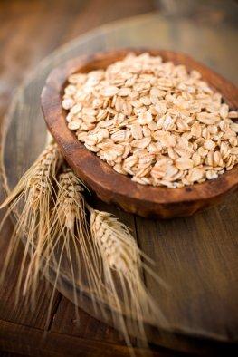 Gesunde Ballaststoffe: Haferflocken und Getreide
