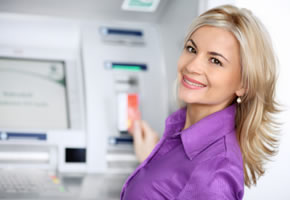 Girokonto: Bargeldautomat zum abheben von Bargeld