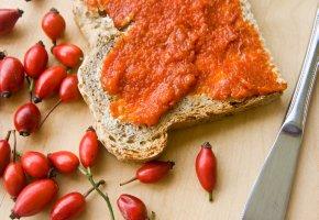 Hagebutten-Mus und Marmelade