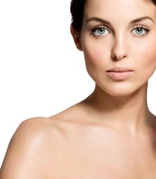 Halspflege: Glatte Haut am Hals