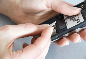 Das Handy entsperrt, und kann jetzt mit allen Sim-Karten genutzt werden