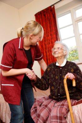 Polnische Pflegekräfte dürfen in Deutschland arbeiten.