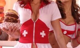 Heart-Attack-Grill - Krankenschwestern servieren die heissen Kalorienburger