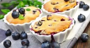 Muffins mit köstlichen Heidelbeeren.