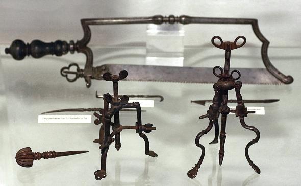 Medizinische Instrumente aus dem Mittelalter