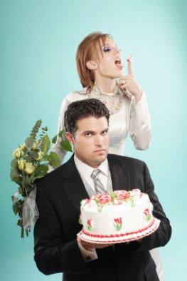 Moderne Hochzeit - Braut und Bräutigam