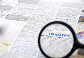 Heiratsanzeigen in der Zeitung