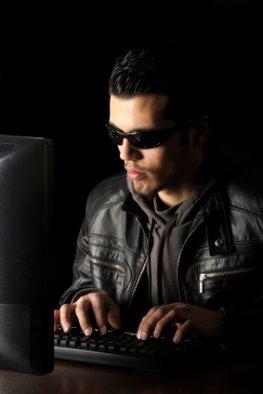 Internetkriminalität - Online-Erpresser bei der Arbeit