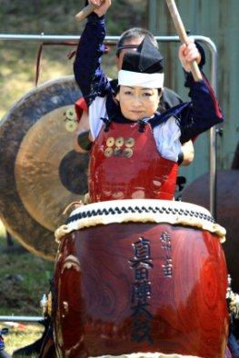 Japanische Taiko Trommlerin