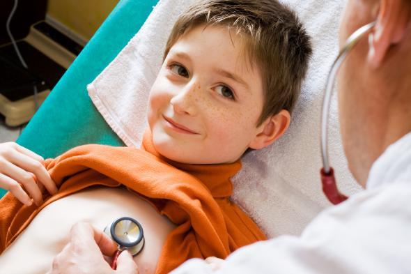Das Dravet-Syndrom ist eine Epilepsie Erkrankung, die viel Aufmerksamkeit von den Eltern erfordert.
