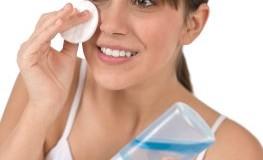 Junge Problemhaut: Reinigung der Haut