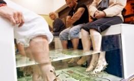 Kangalfischbehandlung im Fußmassage-Salon in London