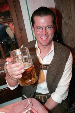 Oktoberfest: Karl-Theodor zu Guttenberg auf dem Oktoberfest - München