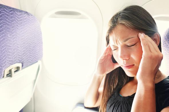 Die Reisekrankheit (Kinetose) kann im Flugzeug, Schiff oder Auto zuschlagen.