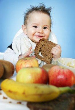 Kleinkinder spielerisch an gesunde Nahrungmittel gewöhnen