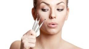 Komedonen im Gesicht entfernen