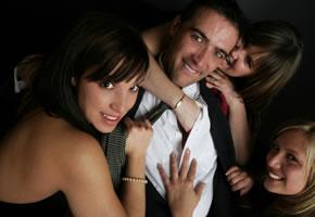 Kuschelparty - Streicheln, Schmusen, Singles gehen auf Tuchfühlung
