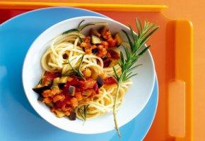 Lebensmittelfotografie: Spaghetti und Ratatouille