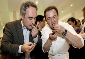 Kochgenies unter sich: Martin Berasategui mit Kochkollege Ferran Adrià