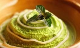 Matcha Eiscreme - Japanischer Grüner-Tee mit Schokolade und Pfefferminz