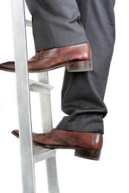 Karriere: mit Weiterbildung die Karriereleiter nach oben steigen