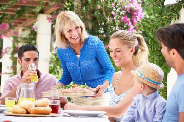 Männer halten die eigene Mutter für die bessere Köchin.