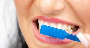 Mundhygiene verhindert Probleme mit dem Gedächtnis.