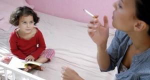 Mutter raucht