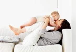 Mutterschaft - Mutter mit einem Baby