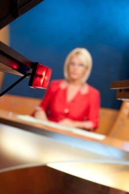 TV Reporterin - Nachrichten im Fernsehen